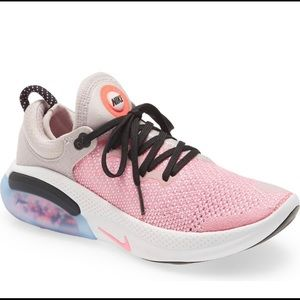 Nike Joyride Run Flyknit Running Shoes